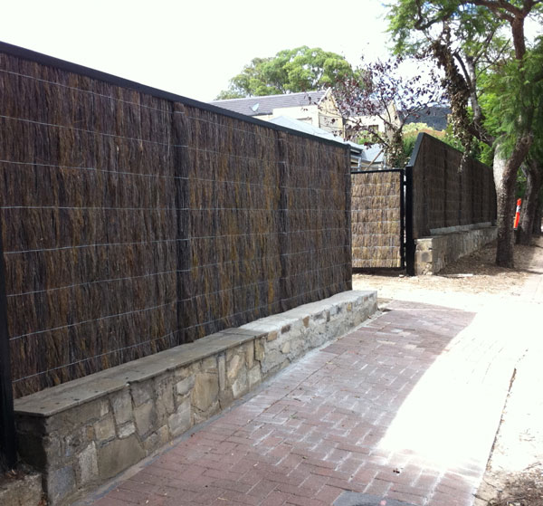 BRUSH FENCING ADELAIDE - INSTALLERS OF HIGH QUALITY BRUSH FENCING IN